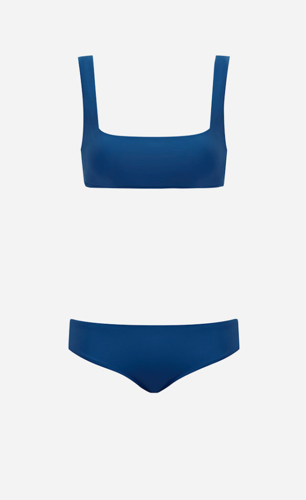 The ocean blue Square bikini from front.