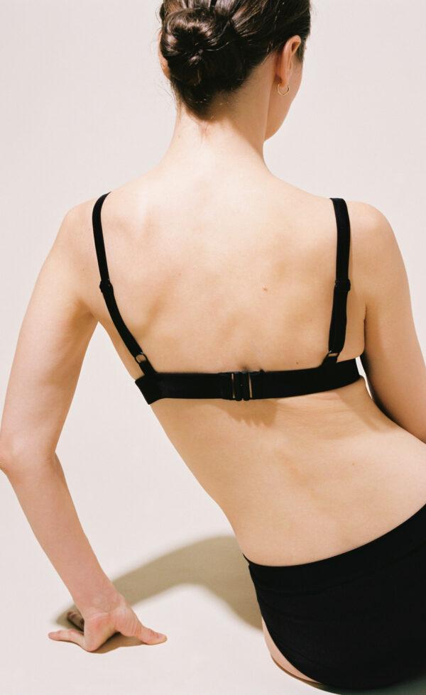 The triangle bikini in black by kaio